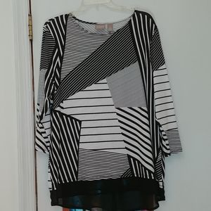 Chico's black & white tunic